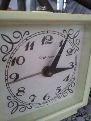 """Laikrodis – žadintuvas """"Севани"""""""