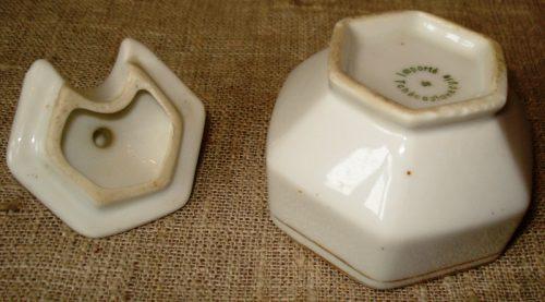 Porcelianinis indelis