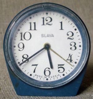 """Laikrodis – žadintuvas """"Слава"""""""