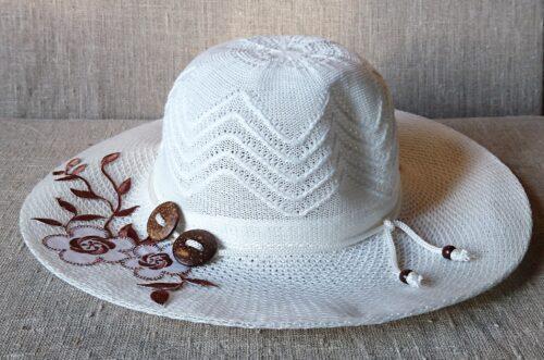 Vasarinė skrybėlaitė